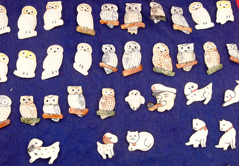 081213brooches