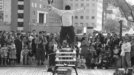 091114street_performer