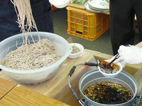 100502buckwheat_noodles3