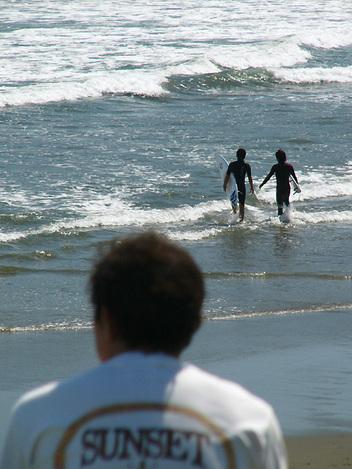 101011surf_waves01