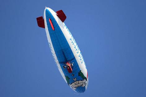 1202121white_airship03