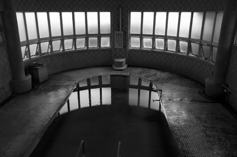 120831public_bathhouse02
